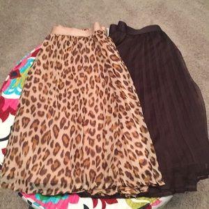 2 pleated girls Gap skirts size L/10